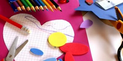 Ton und Papier: Gemeinsam gestalterisch tätig werden