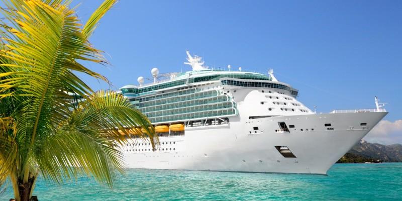 Kreuzfahrtschiff im Mittelmeer