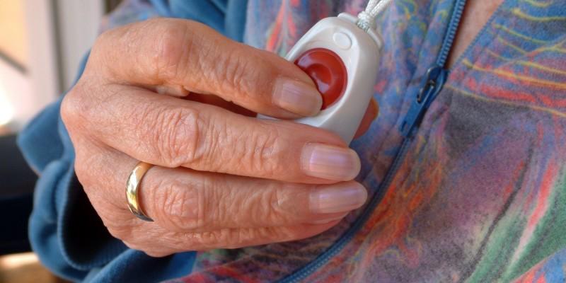 Ältere Frau in der Pflege